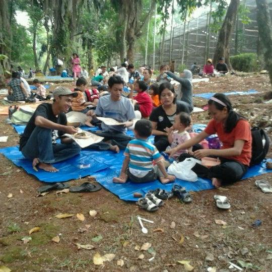 Photo taken at Kebun Binatang Ragunan by Anto Van J. on 8/21/2012