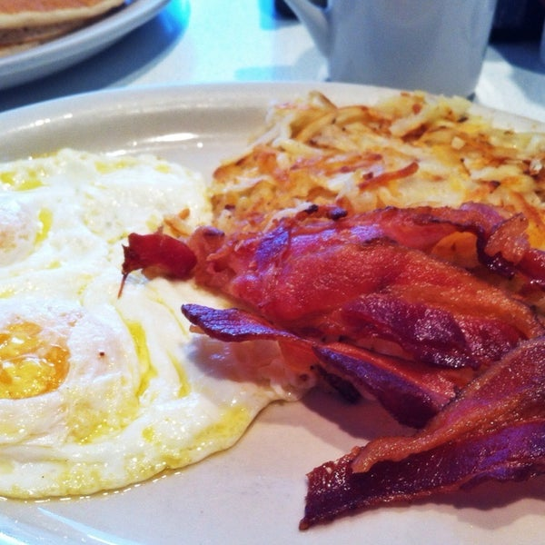 Photo taken at 59 Diner by Jason T. on 7/27/2012