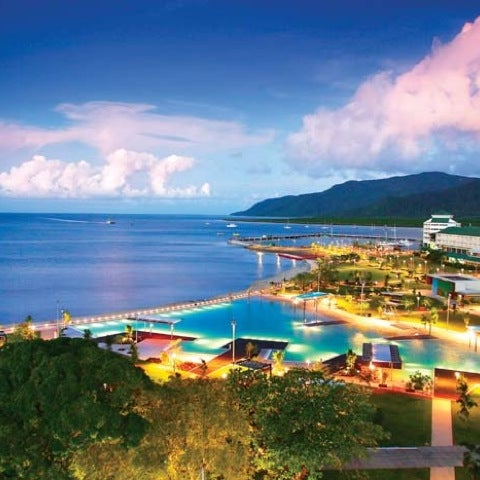 Where's Good? Holiday and vacation recommendations for Cairns, Australia. What's good to see, when's good to go and how's best to get there.