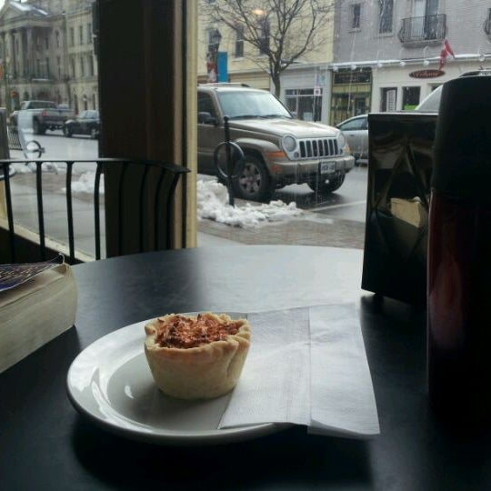 Photo taken at Human Bean - Cobourg's Coffee House by Nicholas J. on 2/15/2012