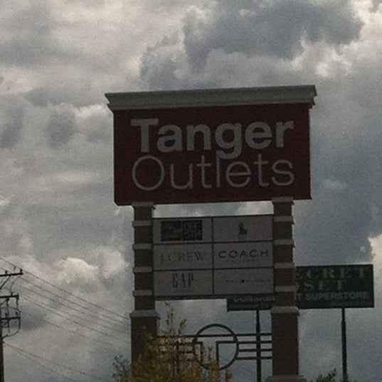 Photo taken at Mebane Tanger Outlets by Yaya E. on 8/6/2012