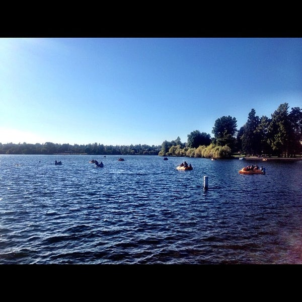 Photo taken at Green Lake Boathouse by Kate K. on 9/4/2012