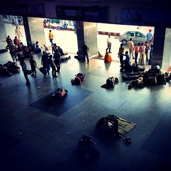 Photo taken at New Delhi Railway Station (NDLS) by Atro_ on 8/5/2012