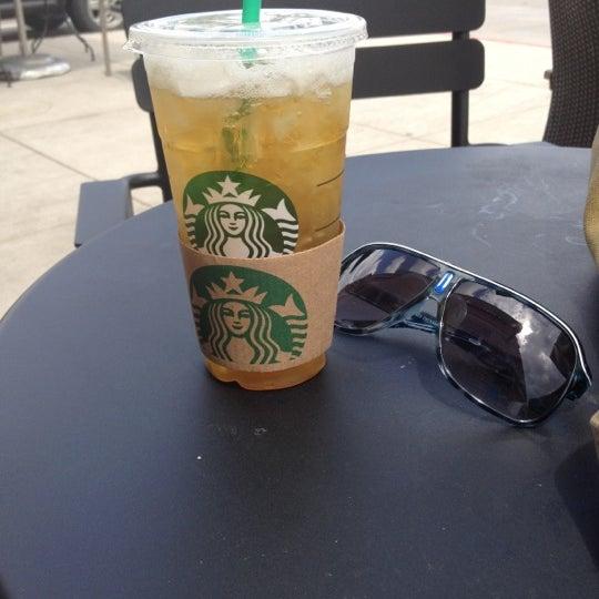 Photo taken at Starbucks by Yoann S. on 4/13/2012