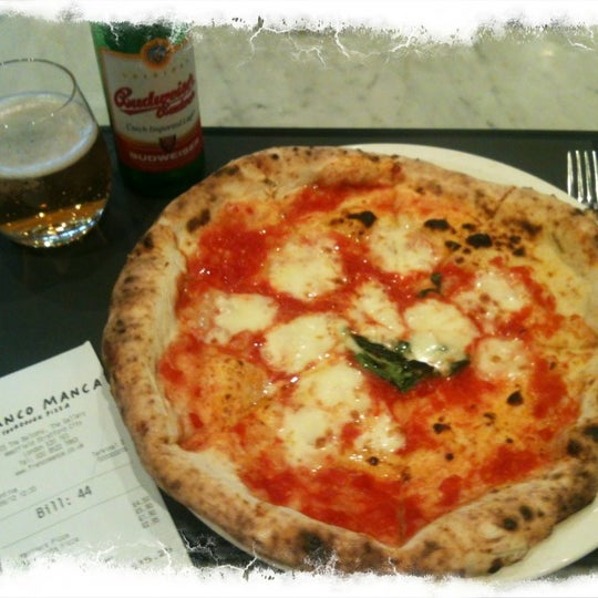 Photo taken at Franco Manca by NiKkOs@n (ニコラ) on 9/2/2012