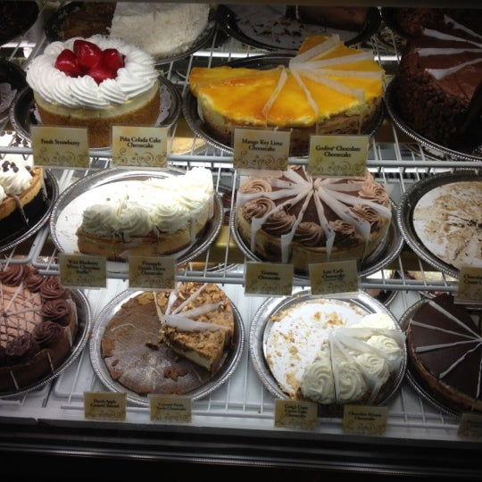 Photo taken at The Cheesecake Factory by Daniel H. on 7/1/2012