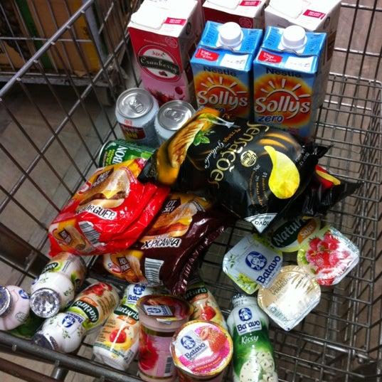 Photo taken at Supermercados Nazaré by Marcelo Y. on 5/29/2012