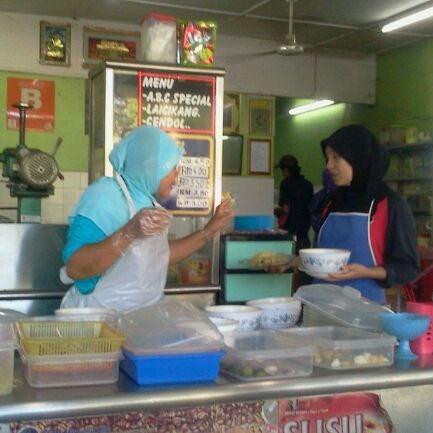 Photo taken at Gerai No 9 Bukit Angin by Hafidz N. on 2/12/2012