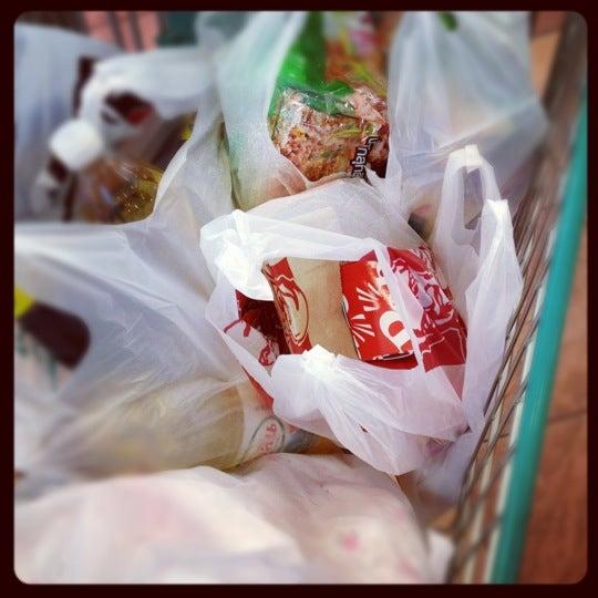 Photo taken at KFC by 💋💋 ThePorryz 😘 on 2/21/2012