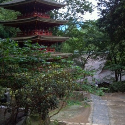 Photo taken at 室生寺 (Murouji Temple) by Kitaguchi T. on 6/23/2012