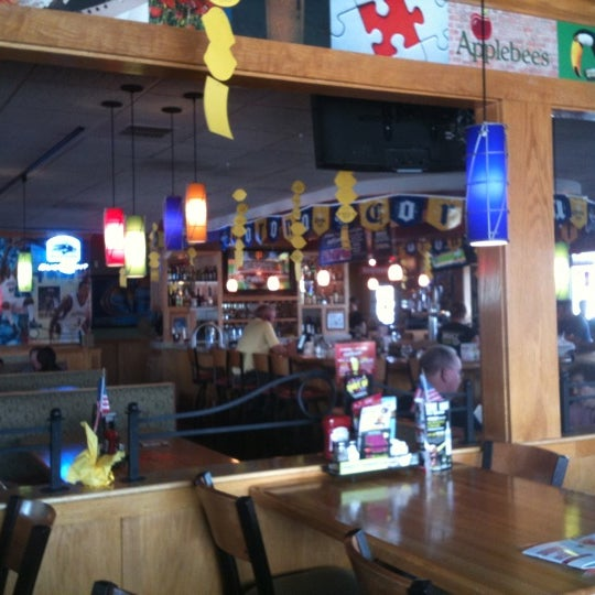 Photo taken at Applebee's by Andy on 8/15/2012