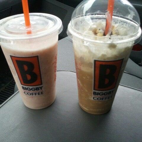 Photo taken at BIGGBY COFFEE by Cori A. on 8/9/2012