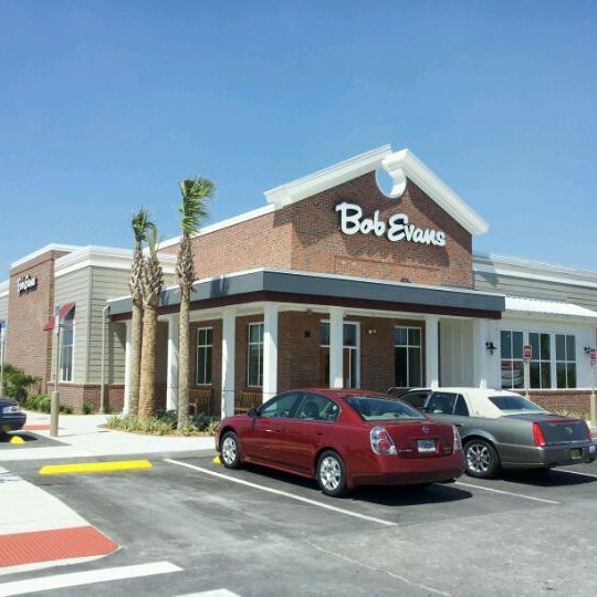 Photo taken at Bob Evans Restaurant by Alex G. on 4/23/2012