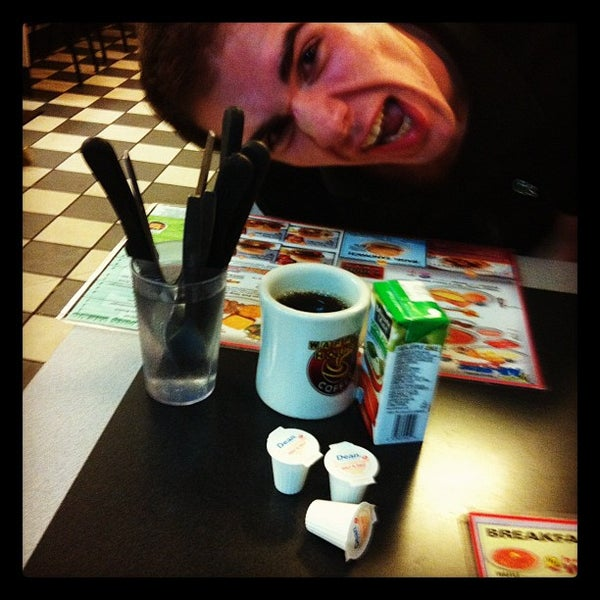Photo taken at Waffle House by Cole S. on 8/13/2012