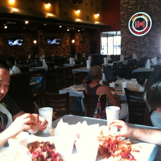 Photo taken at Hot N Juicy Crawfish by hanachai on 9/2/2012