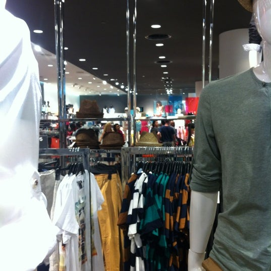 Photo taken at H&M by Fletcher S. on 6/23/2012