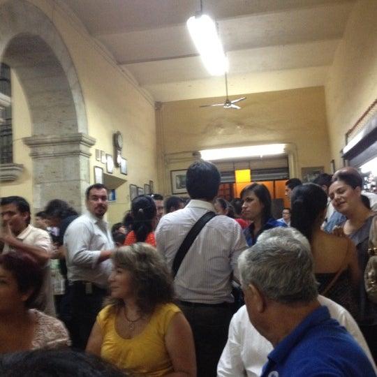 Foto tomada en Cantina La Fuente por JCM el 4/28/2012