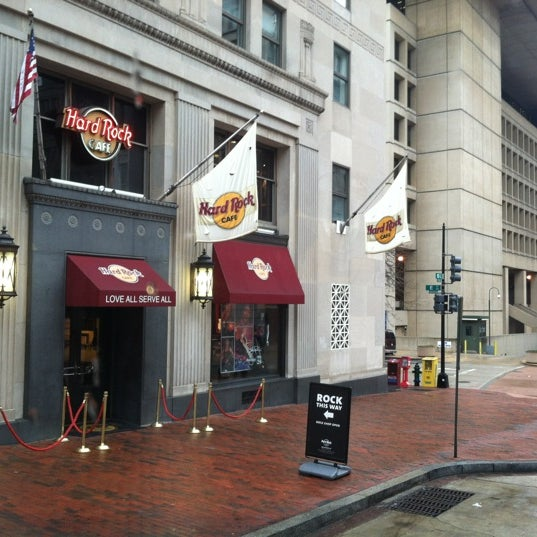 Photo taken at Hard Rock Cafe Washington DC by Allen D. on 2/16/2012