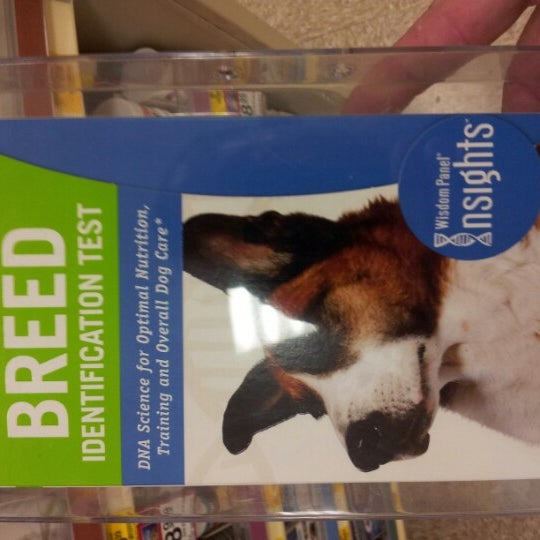 Photo taken at PetSmart by Martin W. on 8/27/2012