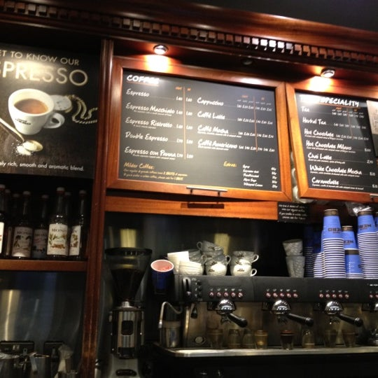 Photo taken at Caffè Nero by Pares T. on 3/28/2012