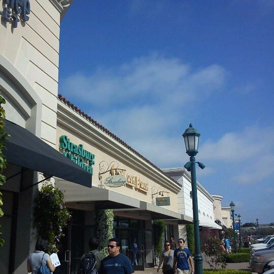 Photo taken at Carlsbad Premium Outlets by Hirohito K. on 5/12/2012