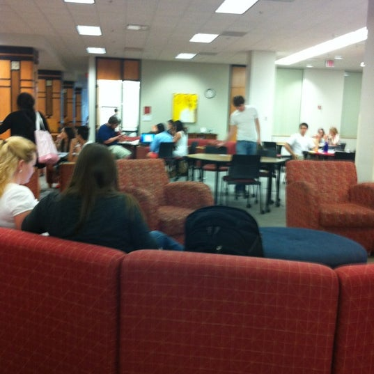 Photo taken at Monroe Library, Loyola University by Johmyrin J. on 4/10/2012