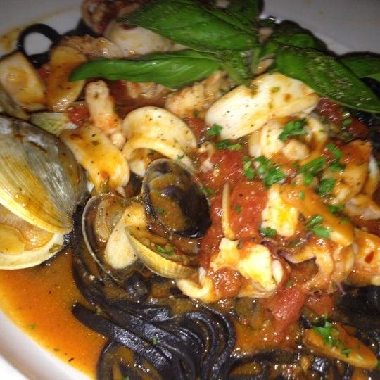 Photo taken at Ponte Vecchio Restaurant by Anna L. on 5/24/2012