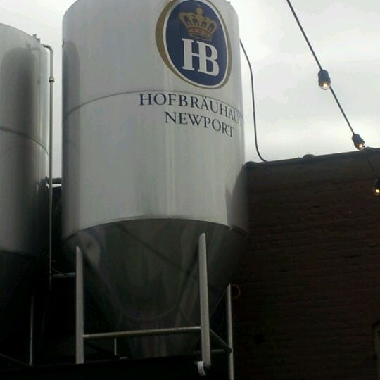 Photo taken at Hofbräuhaus Newport by Ray R. on 3/31/2012