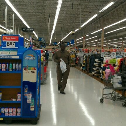 Photo taken at Walmart by 13 B. on 4/9/2012