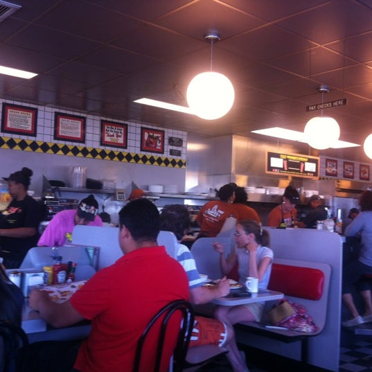 Photo taken at Waffle House by Ryan L. on 8/4/2012