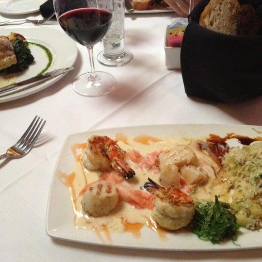 Photo taken at Al Biernat's Prime Steak & Seafood by Jocelyn E. on 5/30/2012