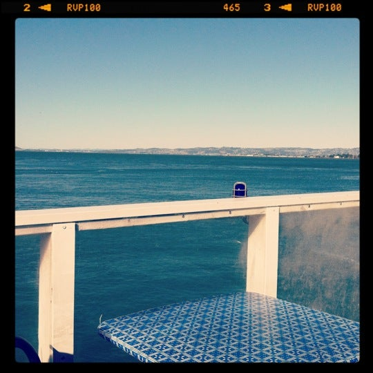 Photo taken at Pier 23 Cafe by Diana V. on 3/6/2012