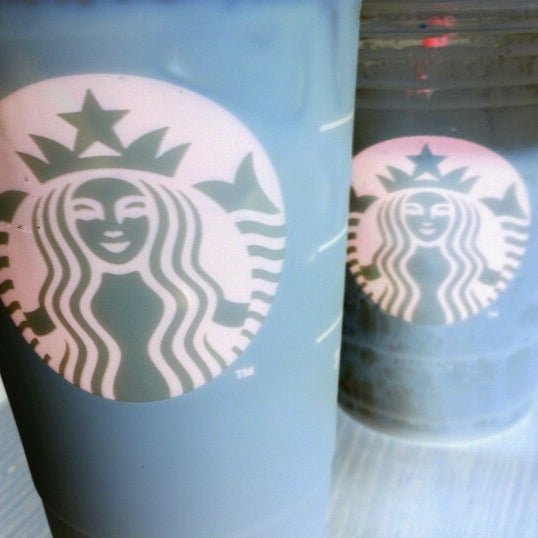 Photo taken at Starbucks by Ricardo A. on 9/3/2012
