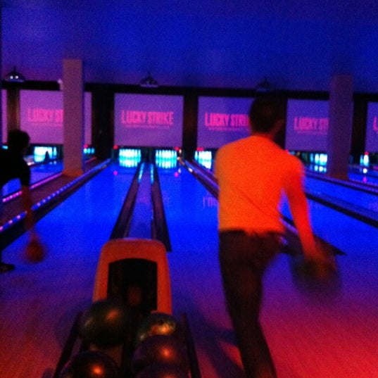 Photo taken at Lucky Strike New York by Gino K. on 3/22/2012