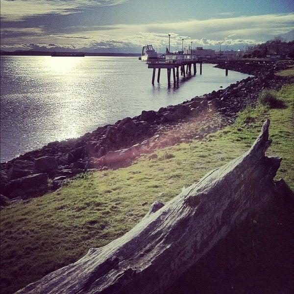Photos at elliott bay fishing pier pier in interbay for Seattle fishing pier