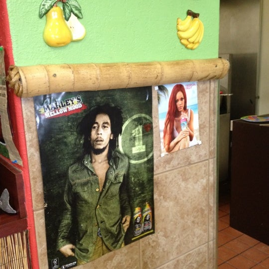 Photo taken at Mama Jamaica's Kitchen by Justin C. on 6/4/2012