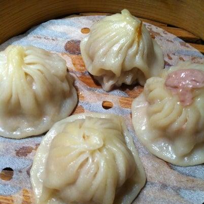 Photo taken at Crystal Jade Kitchen 翡翠小厨 by Jeremy E. on 7/30/2012