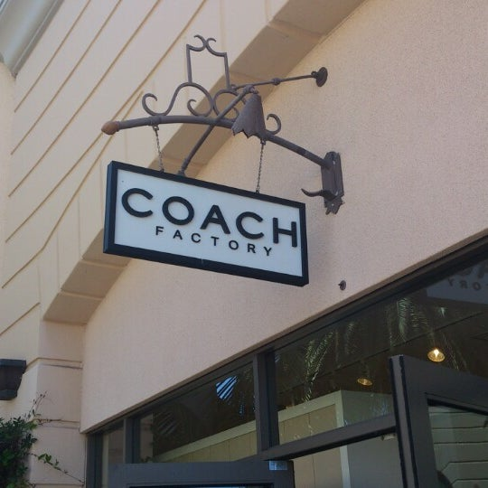 Photo taken at Carlsbad Premium Outlets by Di-Chun S. on 8/26/2012