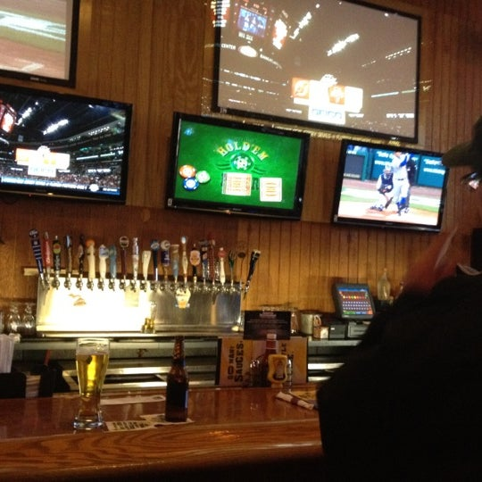 Photo taken at Buffalo Wild Wings by Lynne J. on 4/21/2012