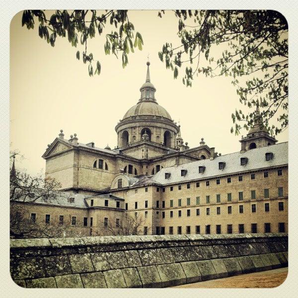 Photo taken at Monasterio de San Lorenzo de El Escorial by Frank L. on 4/7/2012