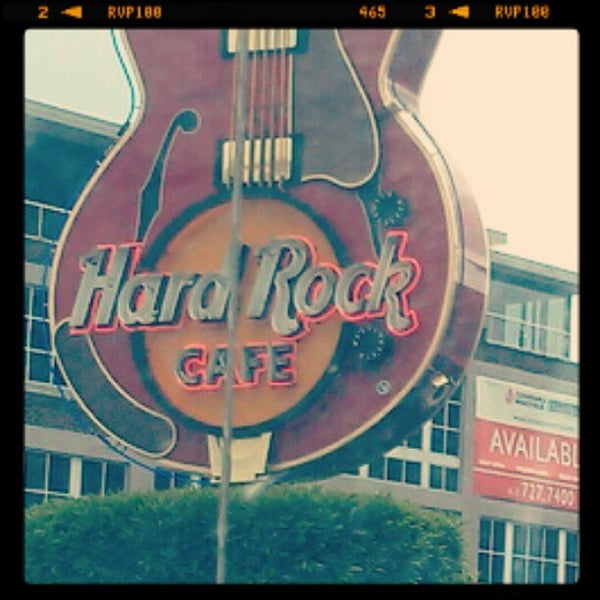 Photo taken at Hard Rock Cafe Nashville by Chris M. on 4/22/2012
