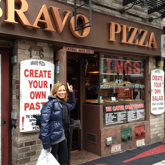 Photo taken at Bravo Pizza by Keren A. on 3/16/2012
