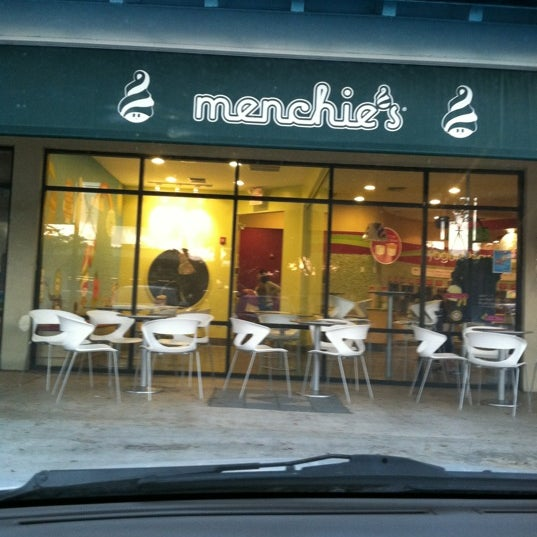 Photo taken at Menchies by Matias B. on 3/12/2012