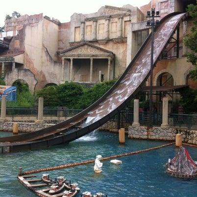 Photo taken at Busch Gardens Williamsburg by Elana H. on 7/28/2012