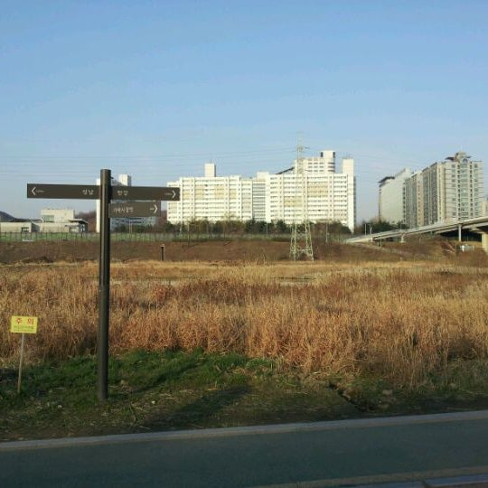 Photo taken at 광평교 by Young Bae K. on 3/30/2012