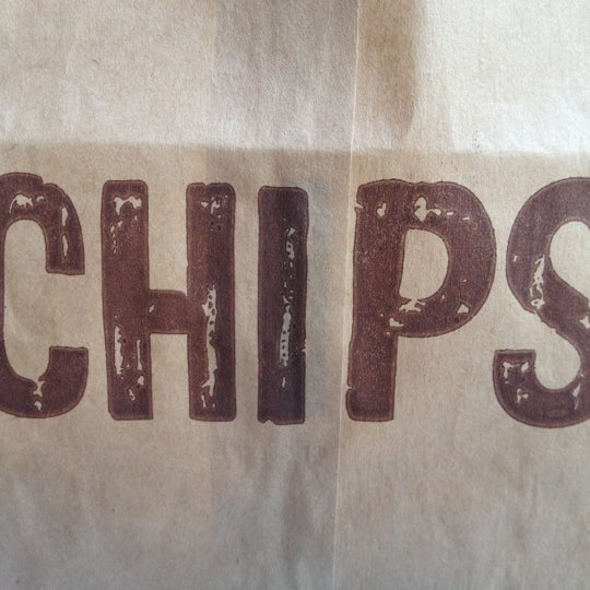 Photo taken at Chipotle Mexican Grill by Ramiro R. on 8/15/2012
