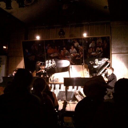 Photo taken at Jellyrolls by Jeff D. on 8/8/2012