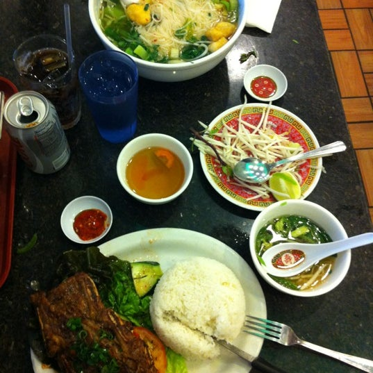 Photo taken at Pho Kim Long by Altan A. on 3/11/2012