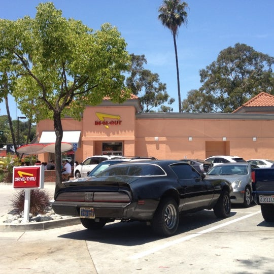 Photo taken at In-N-Out Burger by Nick Y. on 6/7/2012