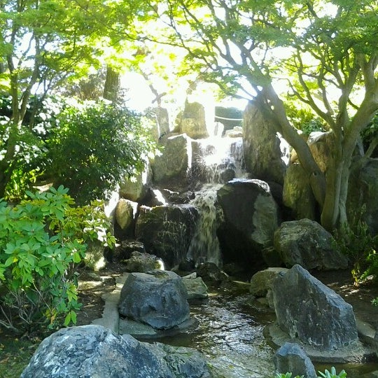Photo taken at Japanese Friendship Garden by Aizen H. on 8/31/2012